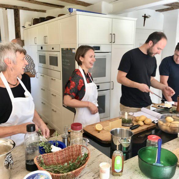 Teilnehmer-in-der-Küche